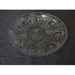 Broušený skleněný talíř