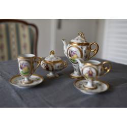 Malovaný porcelánový čajový...