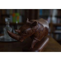 Dřevěná socha nosorožce